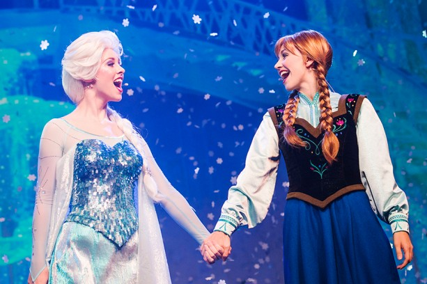 "Magic Kingdom Unveils ""A Frozen Holiday Wish"""