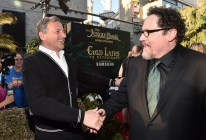 """HOLLYWOOD, CALIFORNIA - APRIL 04: Chairman and CEO, The Walt Disney Company, Bob Iger (L) and director Jon Favreau attend The World Premiere of Disney's """"THE JUNGLE BOOK"""" at the El Capitan Theatre on April 4, 2016 in Hollywood, California. (Photo by Alberto E. Rodriguez/Getty Images for Disney) *** Local Caption *** Bob Iger; Jon Favreau"""