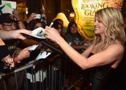 HOLLYWOOD, CA - JUNE 08: Actress Kaitlin Olson signs autographs for fans at The World Premiere of Disney-Pixar's FINDING DORY on Wednesday, June 8, 2016 in Hollywood, California. (Photo by Alberto E. Rodriguez/Getty Images for Disney) *** Local Caption *** Kaitlin Olson