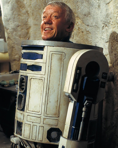 Kenny Baker, R2-D2 of Star Wars, Dies At 82