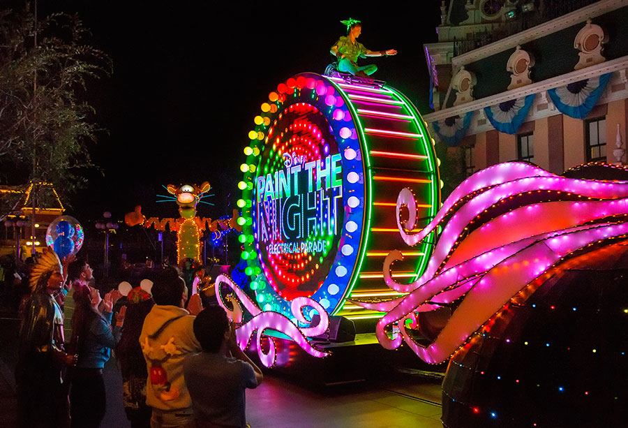 Paint the Night Returns to Disneyland for the Holidays