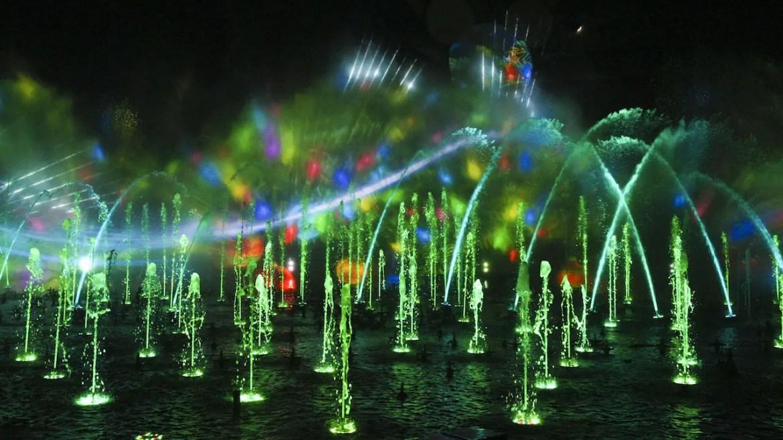 New 'World of Color- Season of Light' Begins at Disneyland