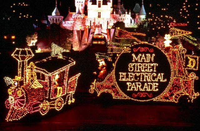 Disneyland to Offer Tickets to Guests in the Event Main Street Electrical Parade Debut is Cancelled