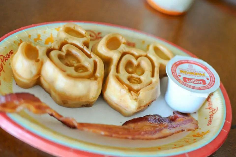 Disney Raises Dining Plan Prices for 2017
