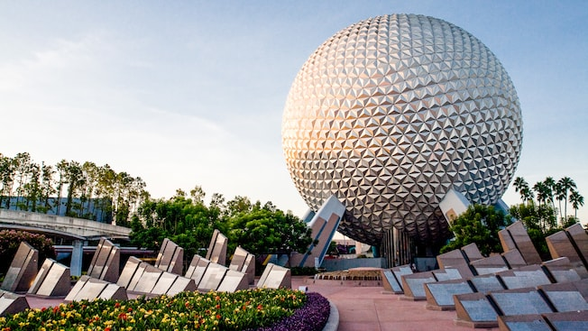 Check out the UnDISCOVERed  Future World Tour at Epcot