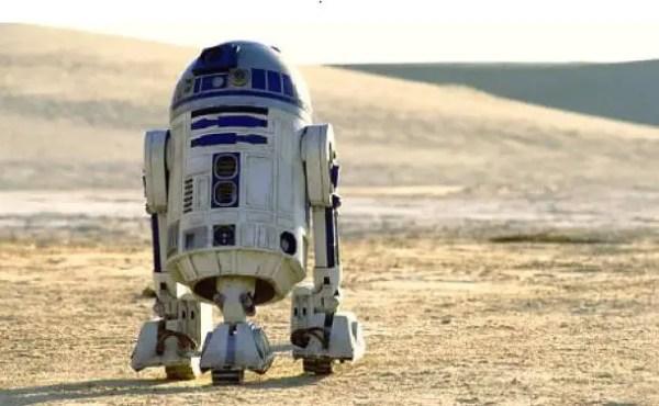 R2-D2 Roaming Around Batuu in Disneyland 2