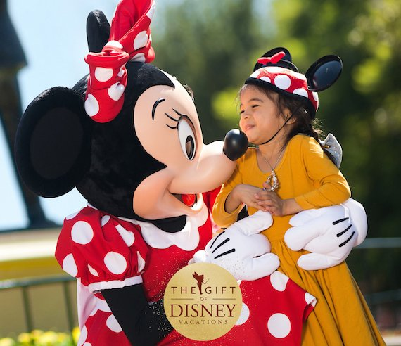 Give The Gift of a Disneyland Vacation with New Holiday Offer
