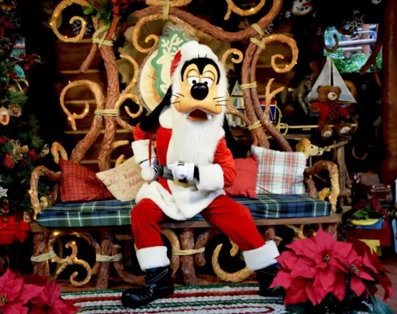 Santa Goofy Is Now Meeting Guests At Disneyland Resort