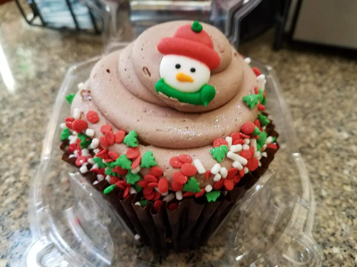This Gingerbread Cupcake Tastes Just Like the Holidays!