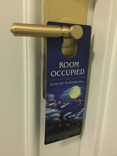 """""""Do Not Disturb"""" Signs Removed From Disneyland and Aulani Resort Rooms"""