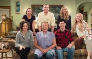 Our First Look at the New 'Roseanne'