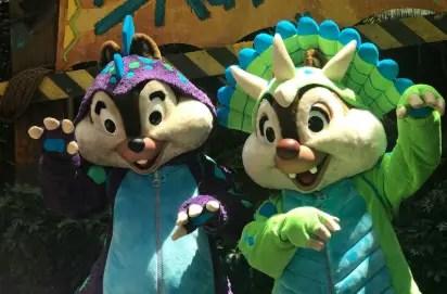 VIDEO: NEW Chip and Dale Chipmunk O Saurus Meet & Greet 1