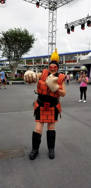 Incredible Tomorrowland Expo Super Characters Now Meeting Daily 9