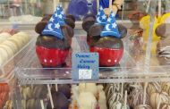 How Adorable are These Sorcerer Mickey Apples From Disneyland Paris?