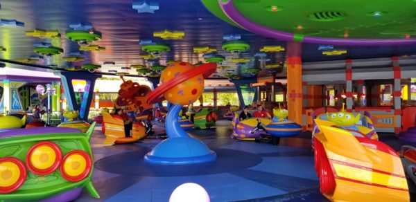 First Look At Alien Swirling Saucers In Toy Story Land! 8