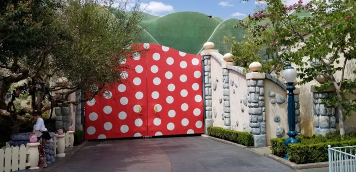 Minnie Mouse Wall