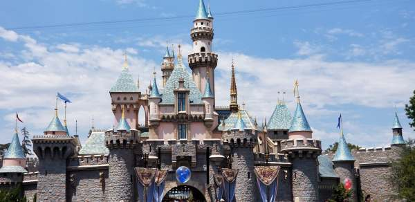 Disneyland Resort wants to end all tax incentives with Anaheim