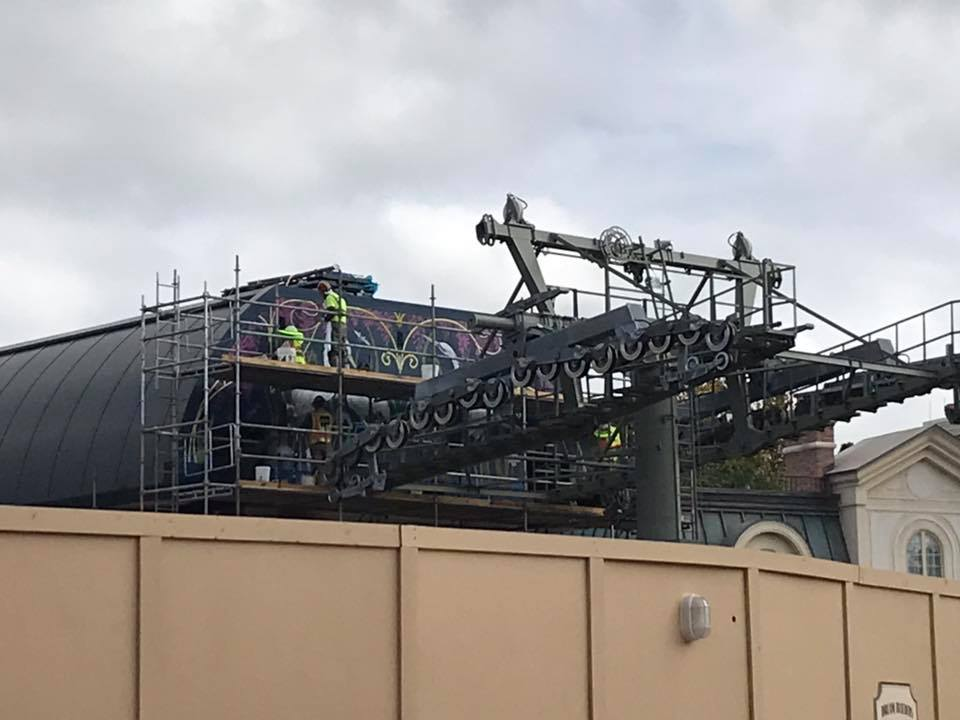 Take a Look – Epcot Skyliner Update – Artwork Being Added