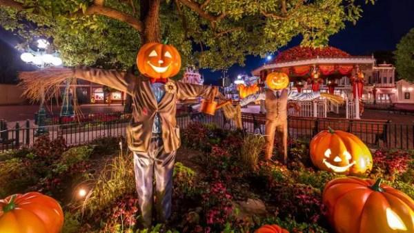Celebrating Halloween at Disneyland Hong Kong