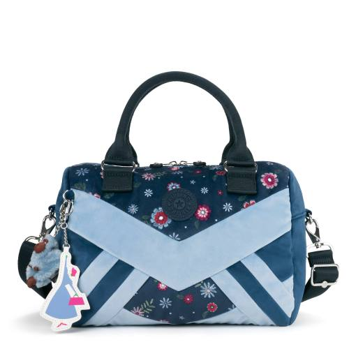 Kipling Introduces New Mary Poppins Returns Collection 4