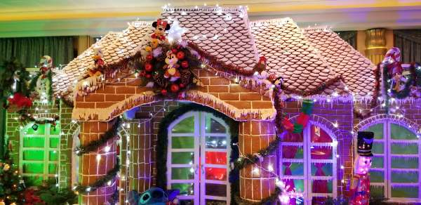 2018 Disney Cruise Line Gingerbread House Competition