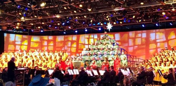 2018 Candlelight Processional Opens With First Narrator Chita Rivera