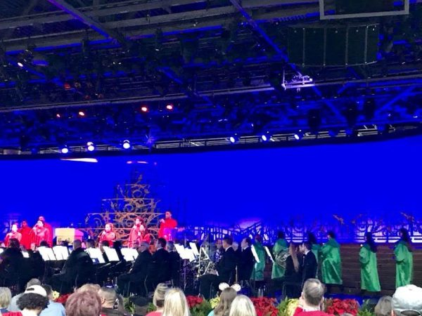 2018 Candlelight Processional Opens With First Narrator Chita Rivera 4