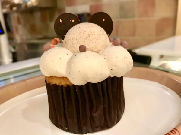 Pumpkin Pie Cupcake Pops Up at Saratoga Springs