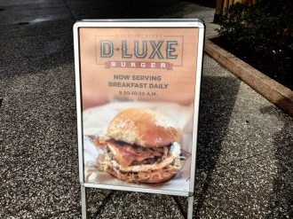 D-Luxe Burger Adds Breakfast Menu - Review