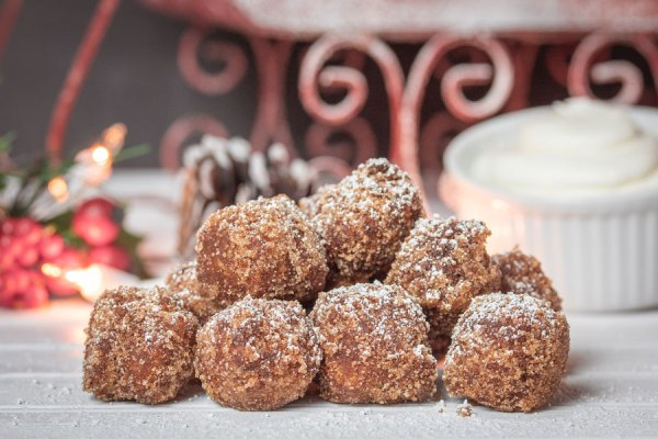 Disney Springs Sweets, Treats, and Savory Dishes Around For the Holidays 5