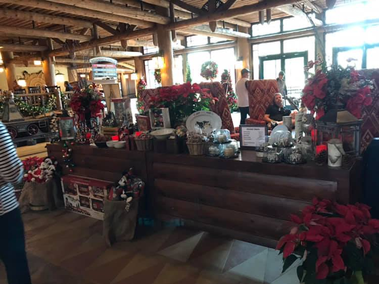 Mobile Holiday Treat Shop Now Open in Disney's Wilderness Lodge