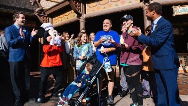 Disney Mobile Ordering Celebrates 1 Million Orders 1