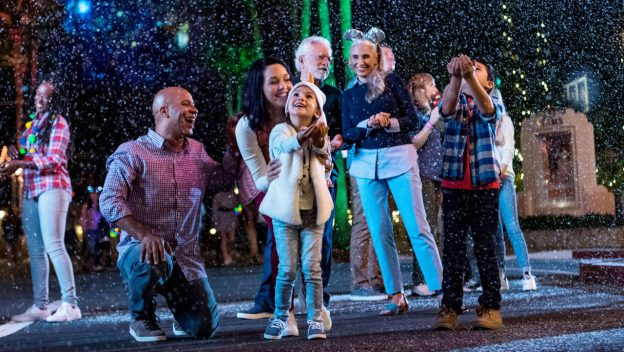 Kids Love 'Flurry of Fun' at Disney Hollywood Studio!