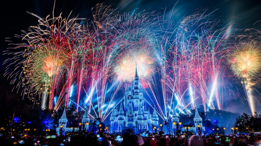 Watch a Live Stream of the New Years Eve Fireworks from Disney Parks
