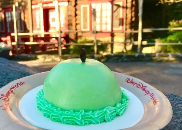 Sven's Apple Cheesecake at Epcot