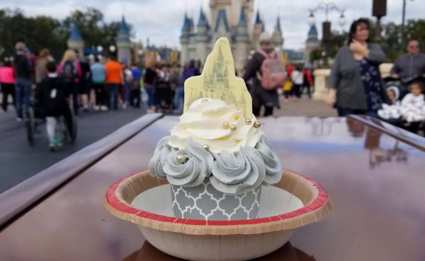 New Castle Cupcake Available at Main Street Bakery