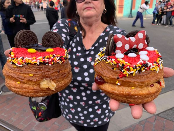 Mickey and Minnie Cronuts are Now Available at Disneyland 3