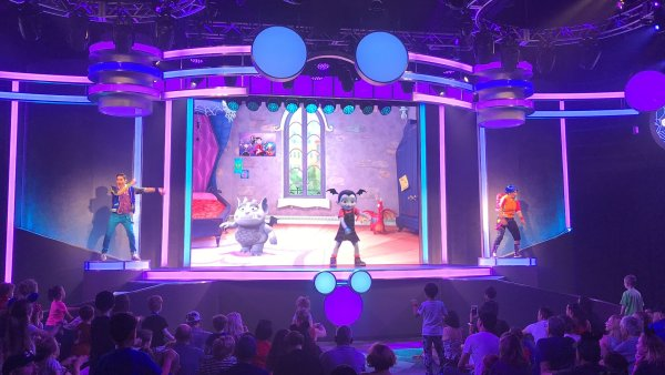 Disney Junior Dance Party Vampirina