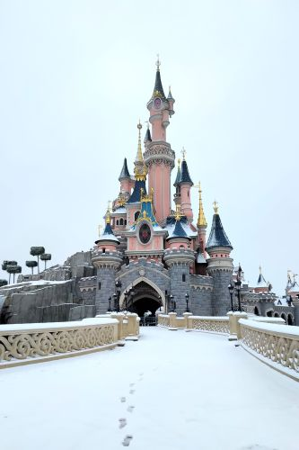 Snow at Disneyland Paris! 2