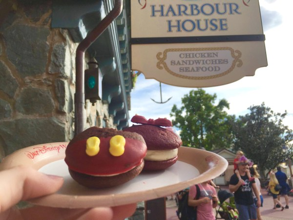 Mickey and Minnie Mouse Whoopie Pies at Columbia Harbour House! 1