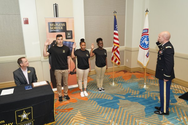 U.S. Army and Walt Disney World Swan and Dolphin Resort partner to help provide veterans with more job opportunities 2