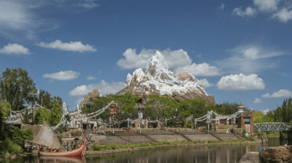 Park Hours Extended at Animal Kingdom this Spring