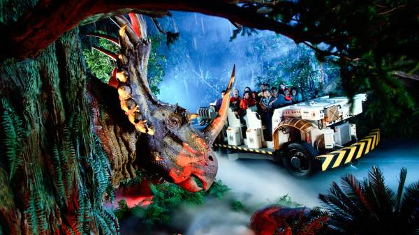 DINOSAUR In Disney's Animal Kingdom Theme Park Will Close 1 Hour Prior To Park Closing Starting March 31