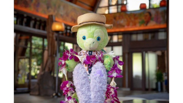 Duffy's New Friend at Aulani, A Disney Resort & Spa