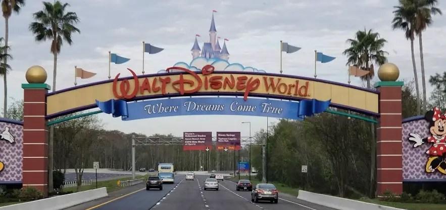 Walt Disney World Officially Bans Plastic Straws at All Parks