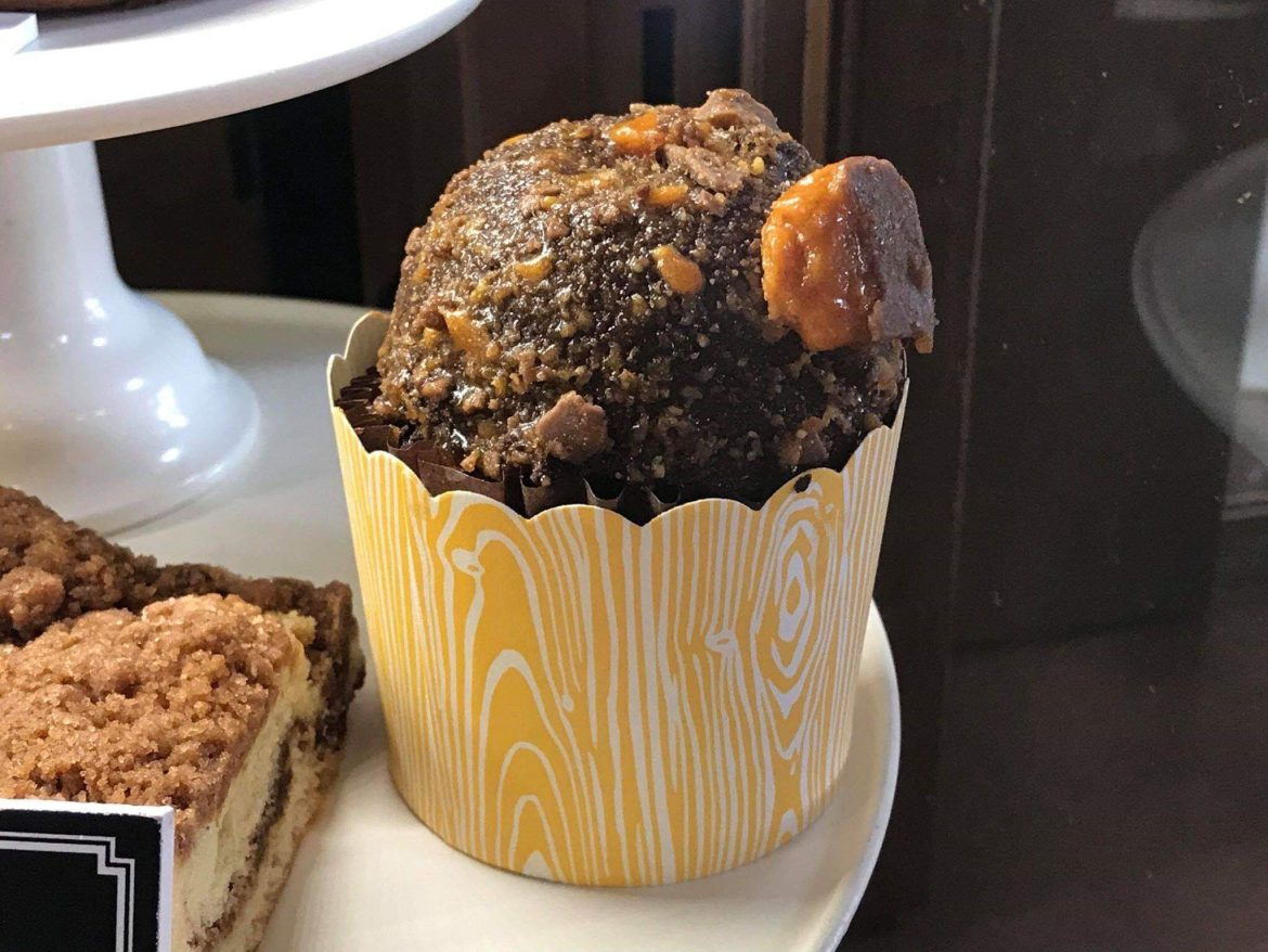 Butterfinger Cupcake Returns to Trolley Car Cafe