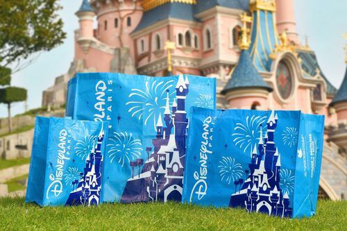 Disneyland Paris Using Reusable Bags!
