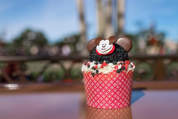 New Mousekeeter Cupcake at Magic Kingdom
