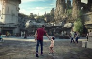 Guests Staying at One of The Disneyland Resort Hotels Receive their Reservation to Star Wars: Galaxy's Edge at Disneyland Park Today!