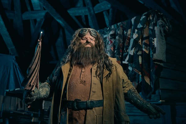 Universal Reveals Photos of an Incredible Life-like Animated Hagrid For Hagrid's Magical Creatures Motorbike Adventure